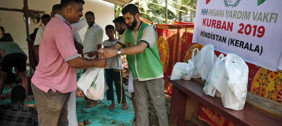 Turkish charities reach out to world during Qurban Bayram despite pandemic